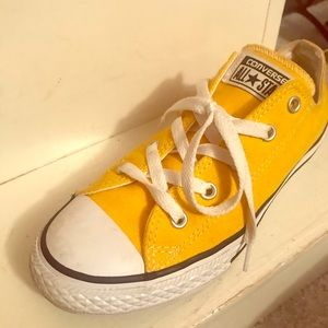 Converse Chuck Taylor All Star Lo Sneaker Lemon